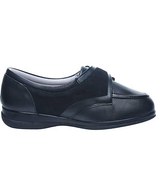 debbie shoes 5e width fifty plus