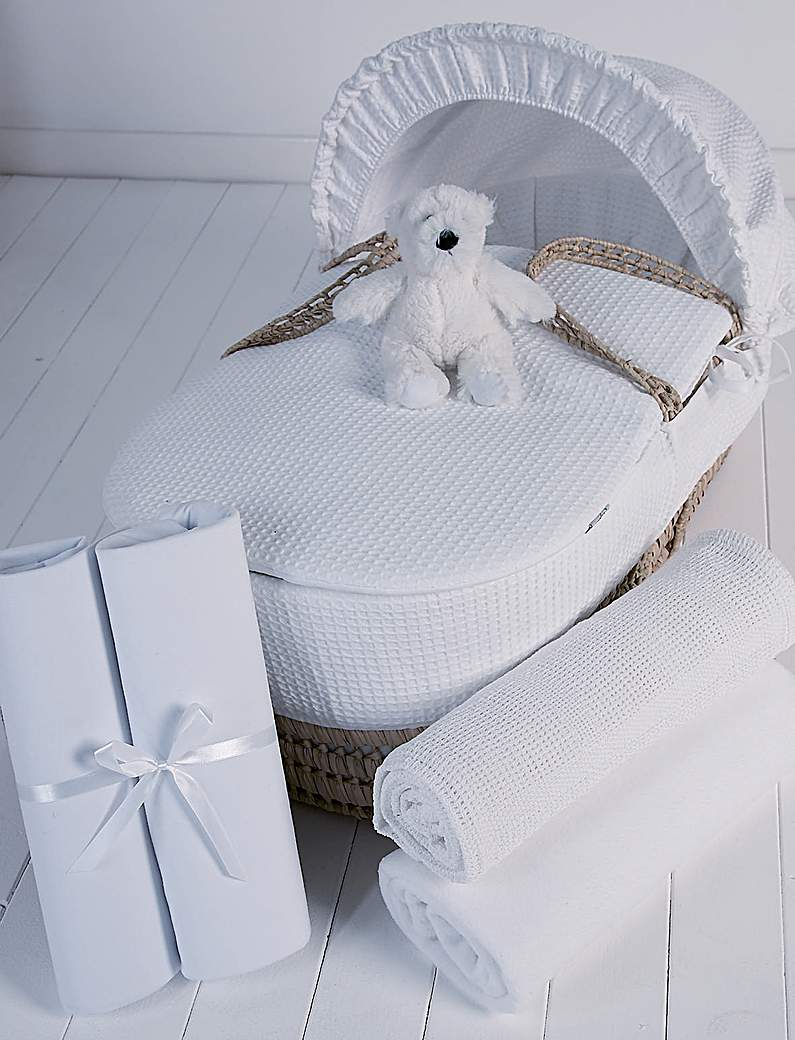 Image of Clair de Lune 5 Pc Moses Basket Gift Set