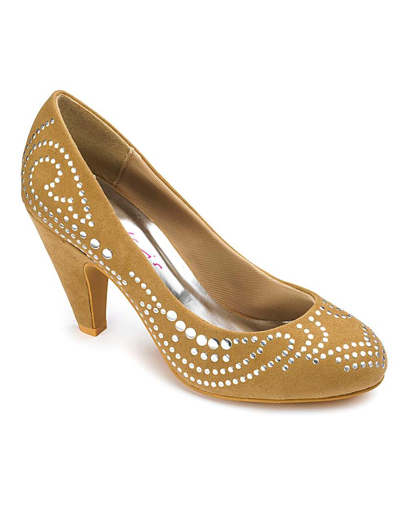 Retro Vintage Style Wide Shoes Dolcis Studded Court Shoes EEE Fit £13.50 AT vintagedancer.com