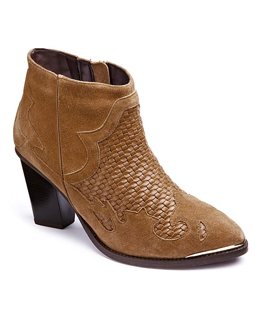 Image of Woven Leather Boots E Fit