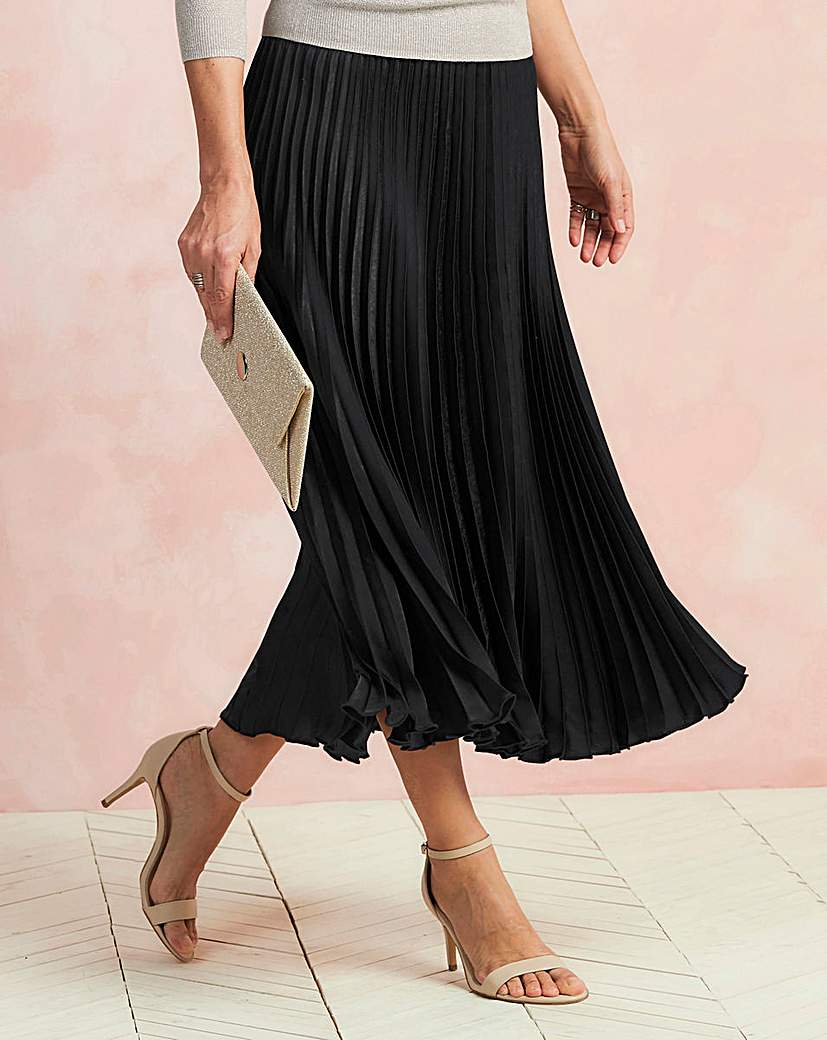 1920s Style Skirts Sunray Pleat Maxi Skirt £30.00 AT vintagedancer.com