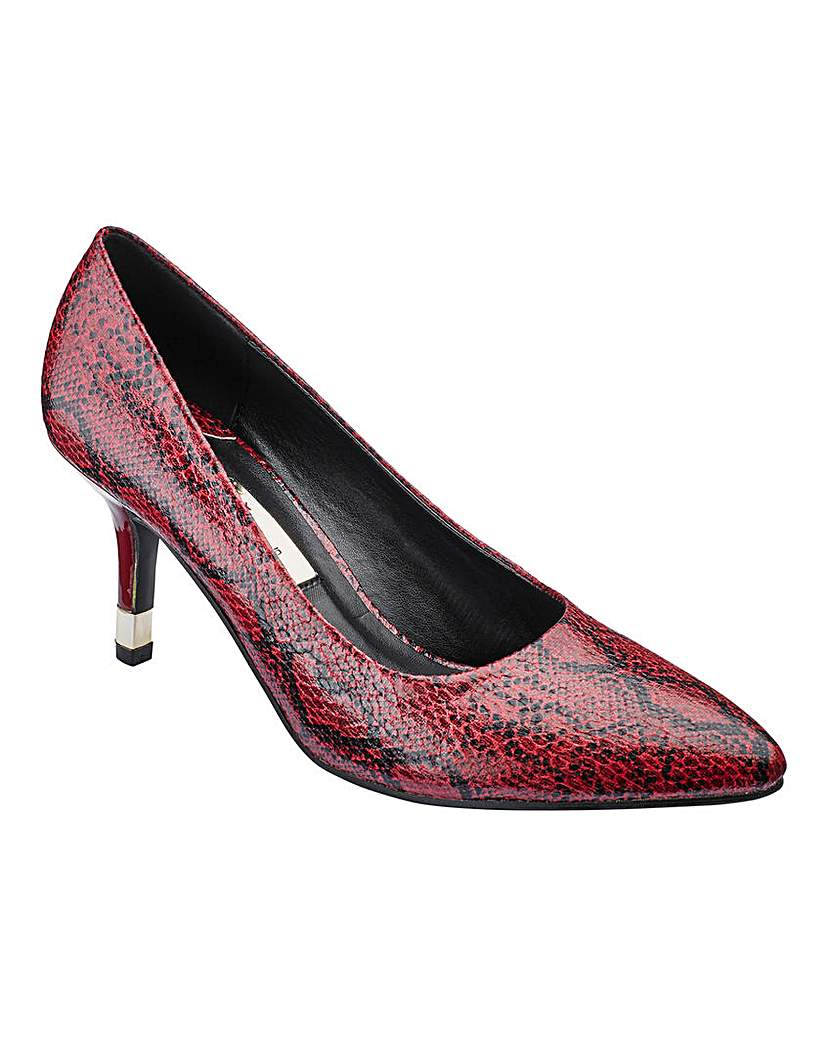 Image of Lorraine Kelly Court Shoes D Fit