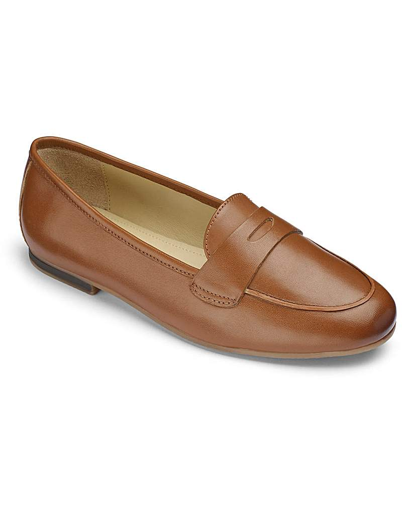 Heavenly Soles Leather Ballerinas EEE