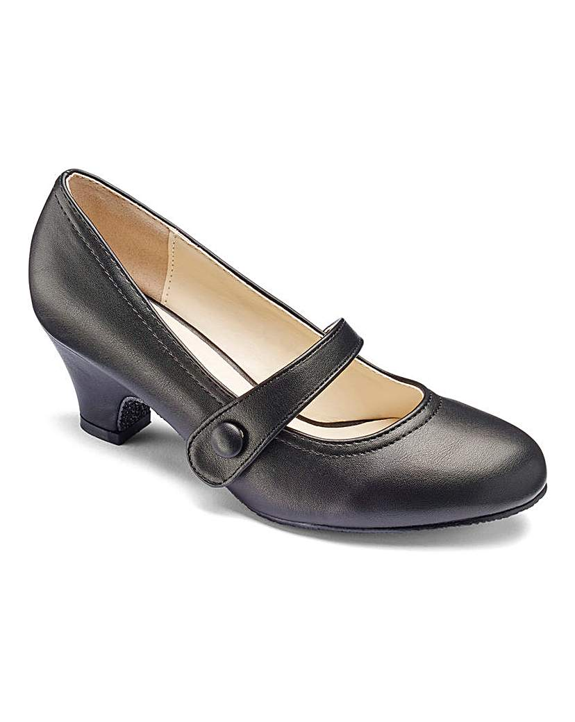 1960s Style Shoes Heavenly Soles Mary Jane Shoes EEE Fit £25.00 AT vintagedancer.com