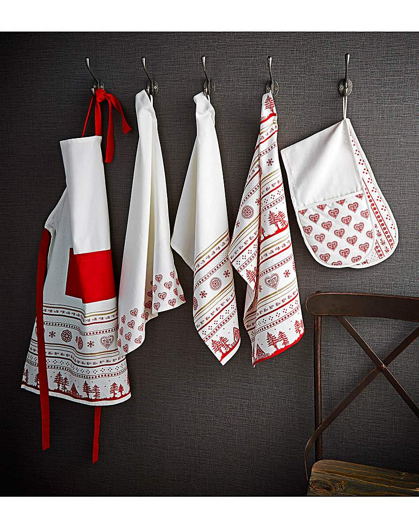 As the seasons change, so does the cooking. Salads and smoothies turn into soups, cookies and casseroles. Our wide range of kitchen textiles supports your cooking style throughout the year, with pot holders, aprons, and tea towels that make it easy to add new colors and patterns to your kitchen.