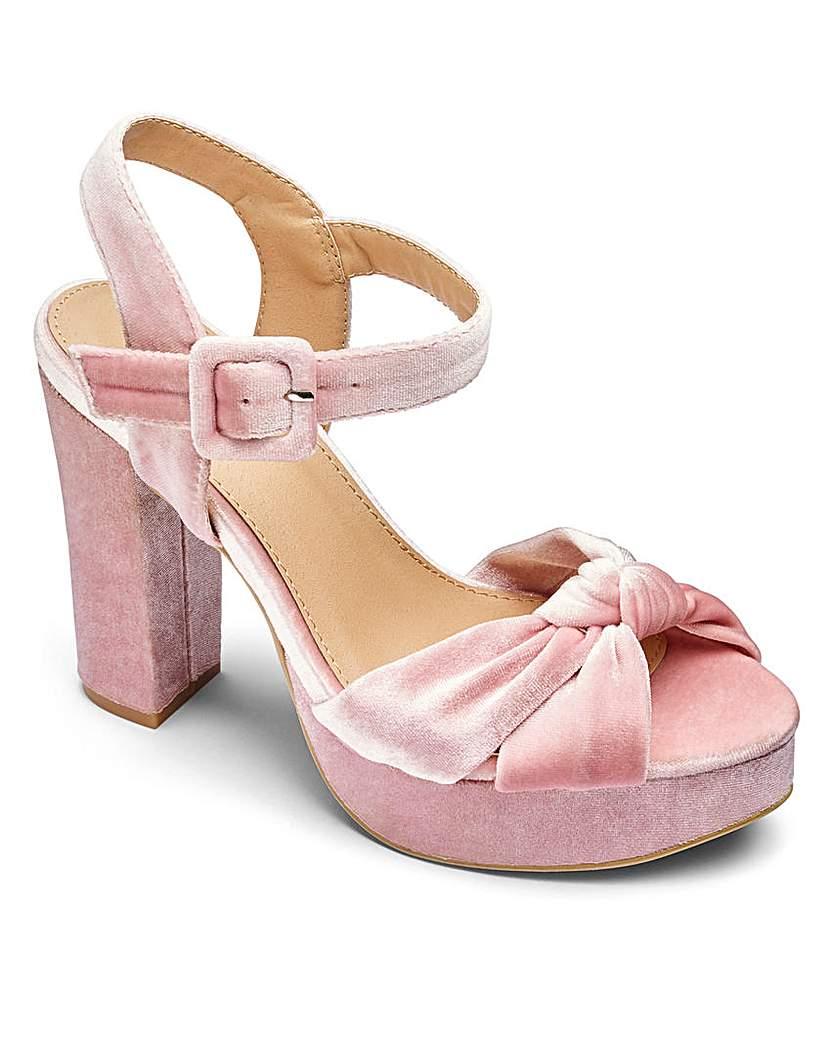 Shop Pin Up Shoes Sole Diva Knot Detail Platform EEE Fit £29.00 AT vintagedancer.com