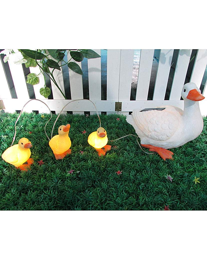 Gardenwize Solar Duck and Ducklings