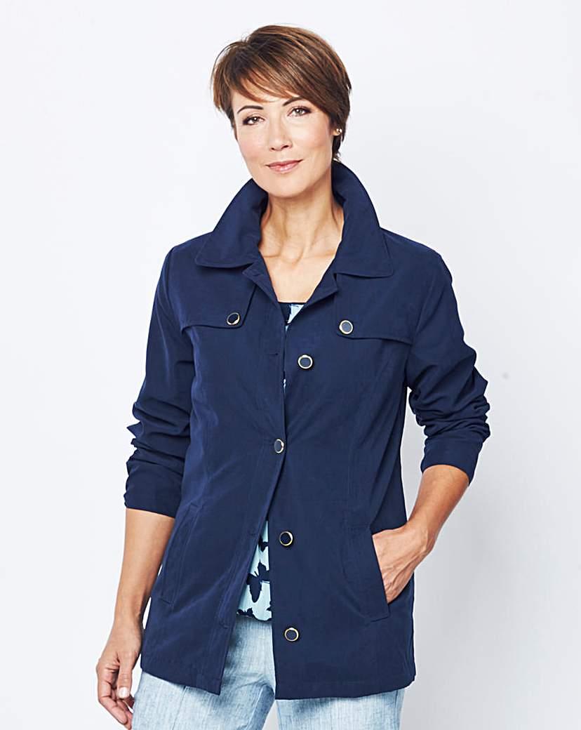 Slimma Microfibre Jacket with Pockets.