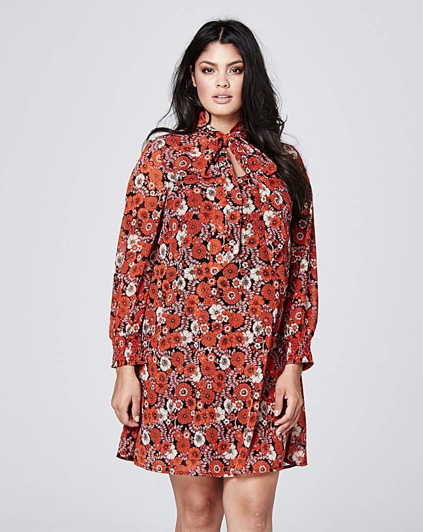 1960s Plus Size Dresses & Retro Mod Fashion Tie Neck Dress £11.50 AT vintagedancer.com