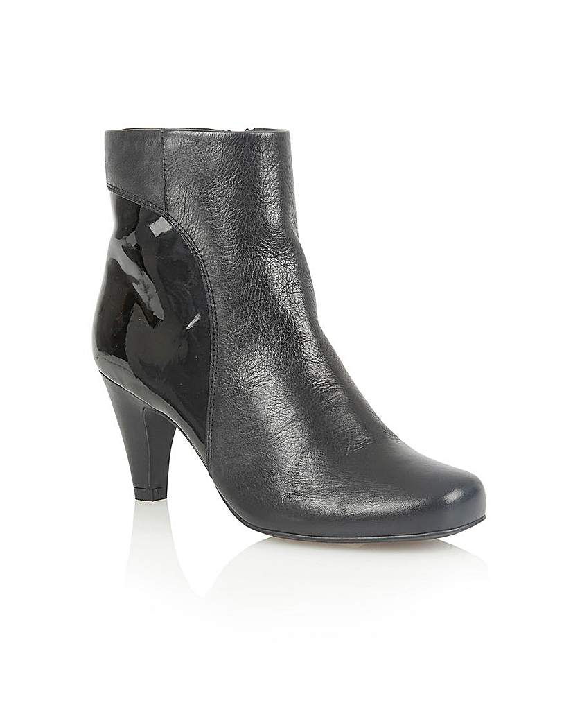Image of LOTUS CONSUELO ANKLE BOOTS
