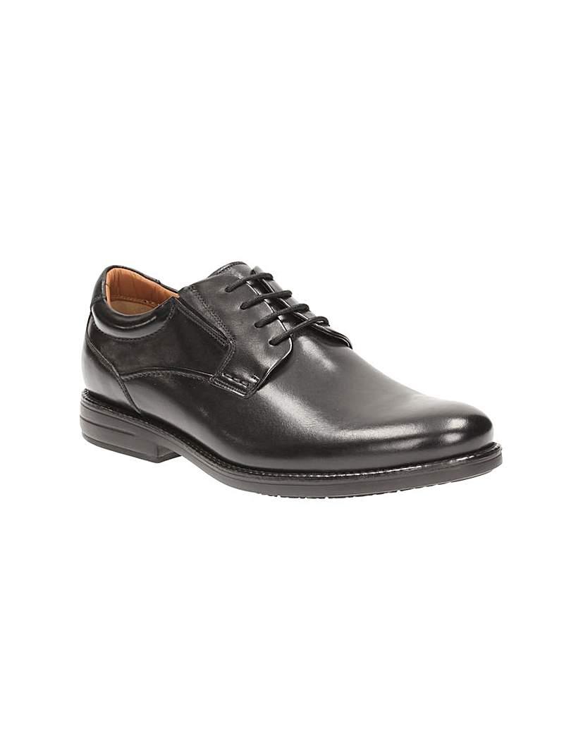 Clarks Hopton Walk Shoes.