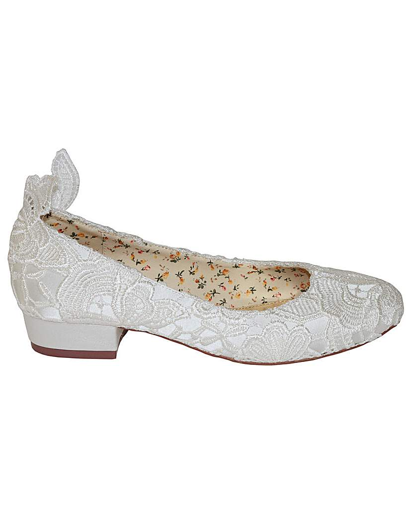 Edwardian Shoes Perfect Lace Ballerina £72.00 AT vintagedancer.com
