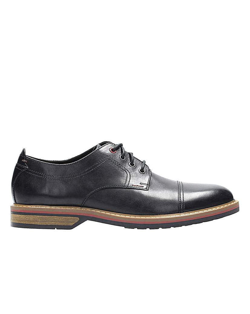 Clarks Pitney Cap Brogue G Fitting