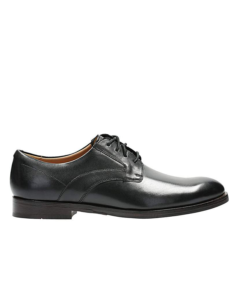 Clarks Corfield Mix Lace Up G Fitting.