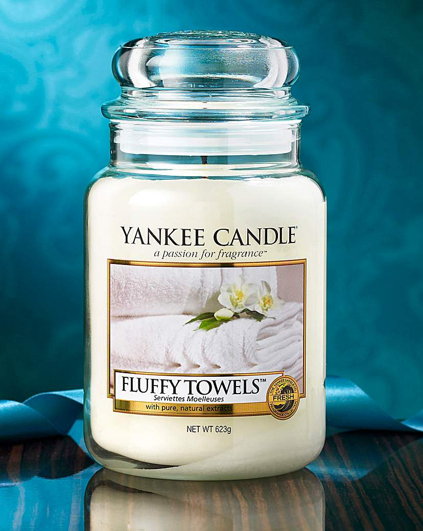 Image of Yankee Candle Fluffy Towels Large Jar