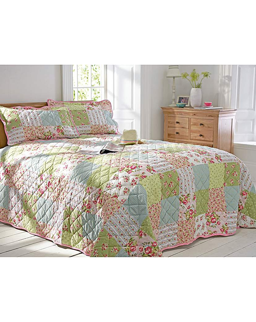 Image of Elsie Patchwork Print Bedspread Set