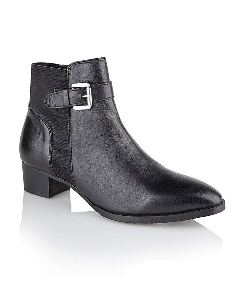 Ravel 'Edmondson' ankle boots