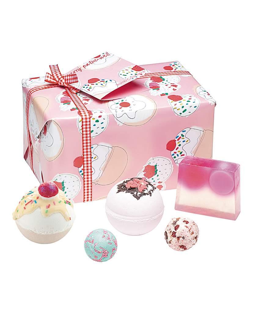 Image of Bomb Cosmetics Cherry Bathewell Set