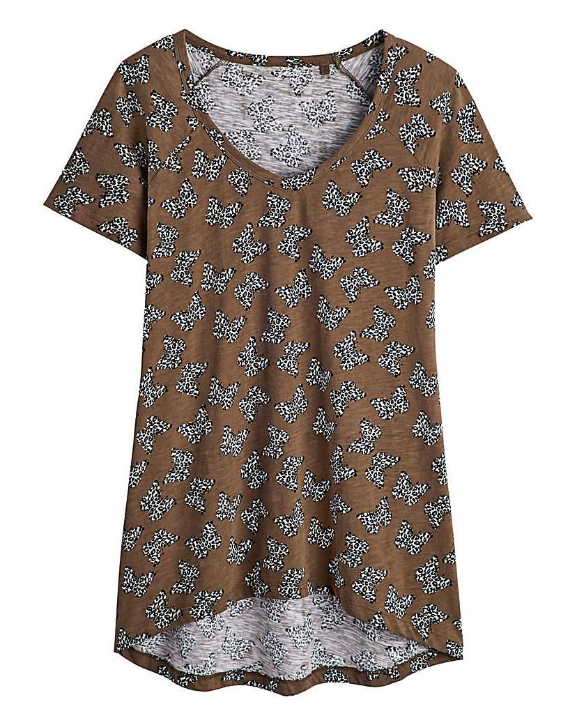 Butterfly Print Dipped Hem T-shirt