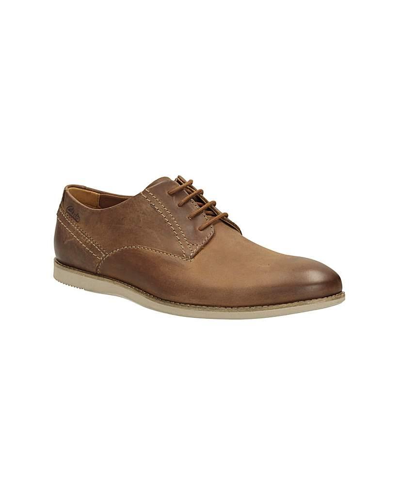 Clarks Franson Plain Shoes