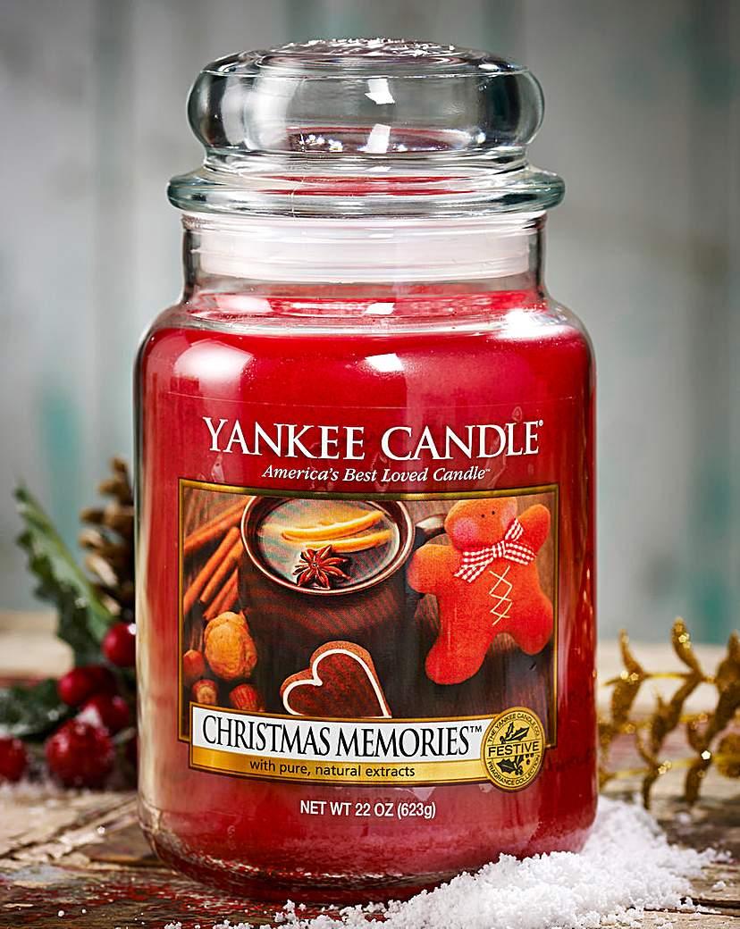 Yankee Christmas Memories Large Candle.
