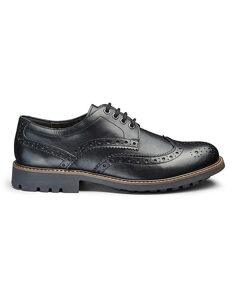 Leather Cleated Brogue Standard Fit.