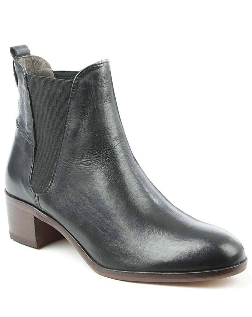 Husdon Black Leather Chelsea Boot