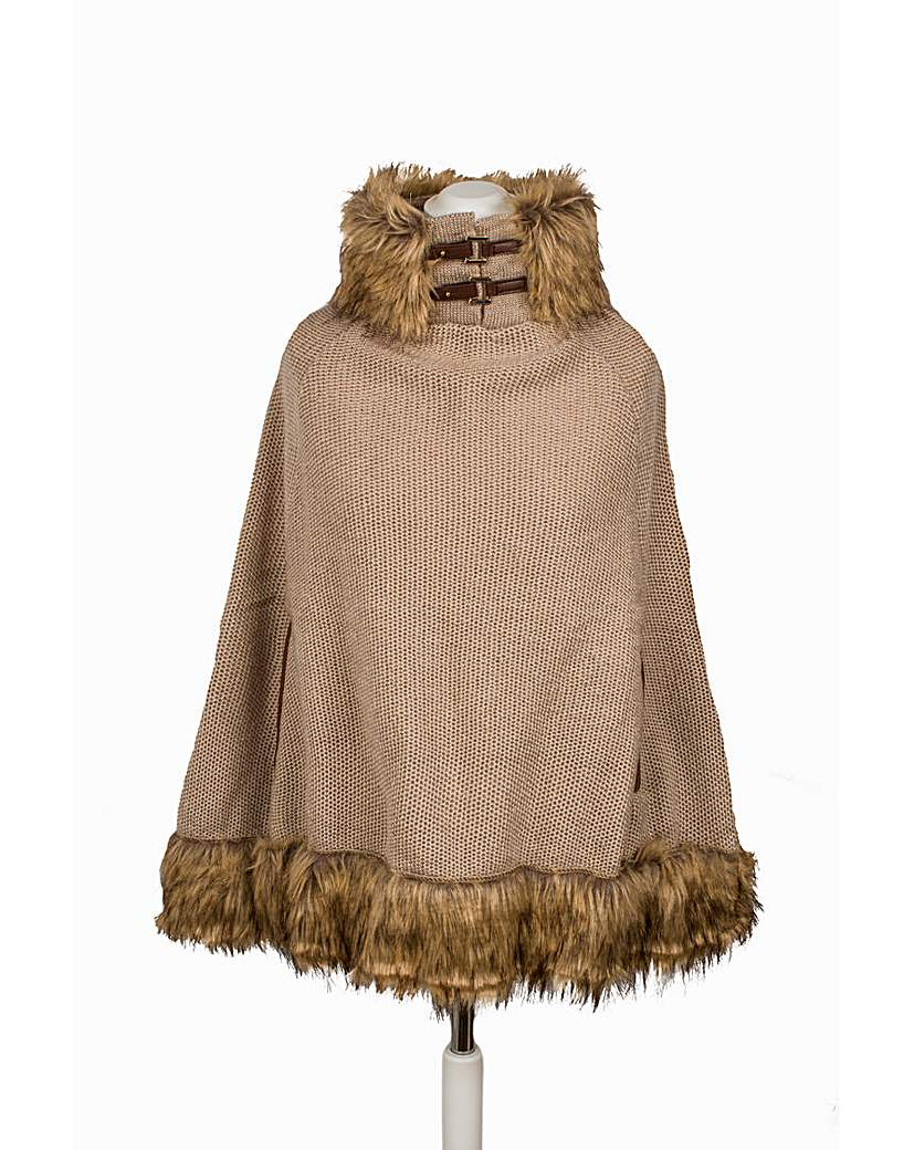 Pia Rossini Addison Poncho