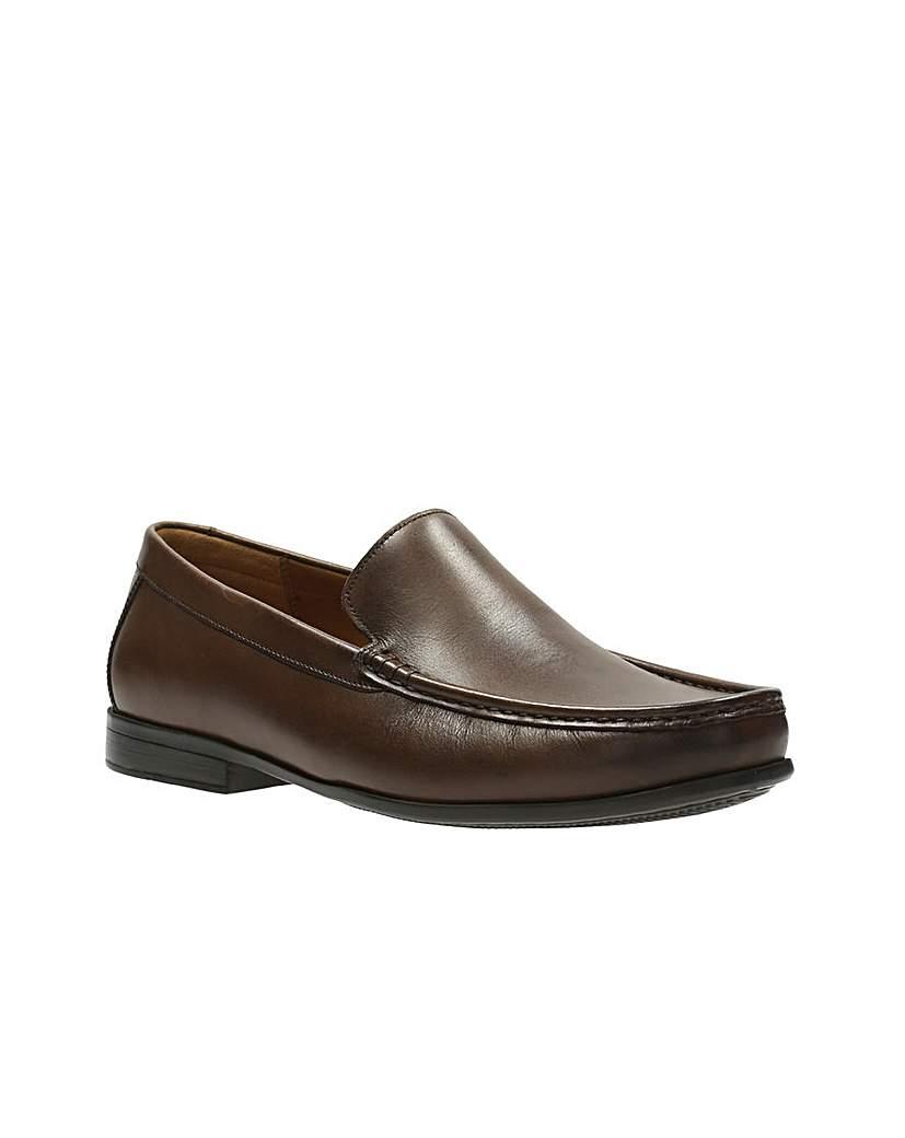 Clarks Claude Plain Shoes