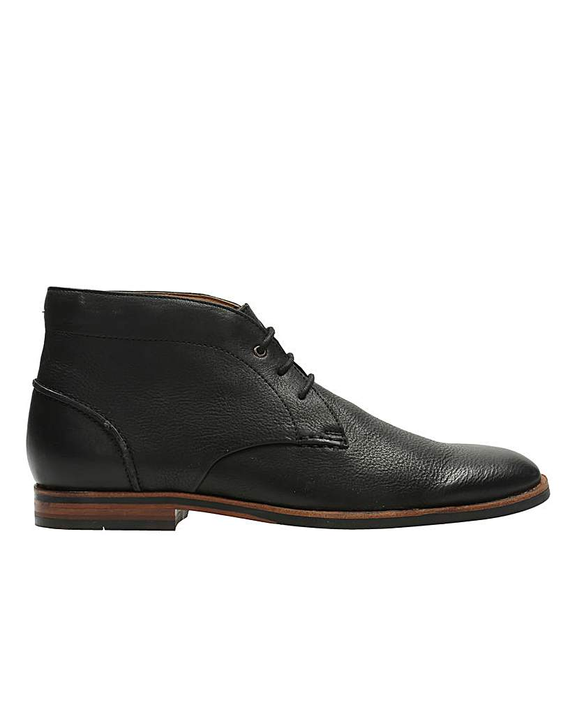 Clarks Broyd Mid Boots G  fitting.