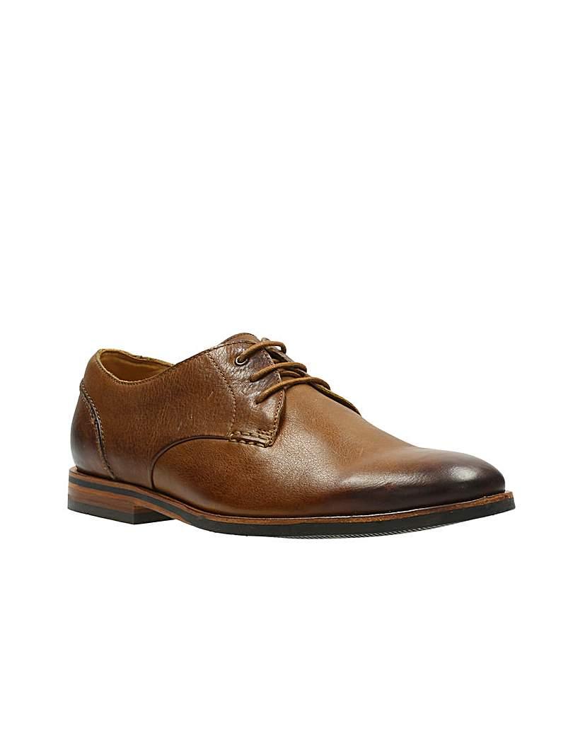 Clarks Broyd Walk Shoes