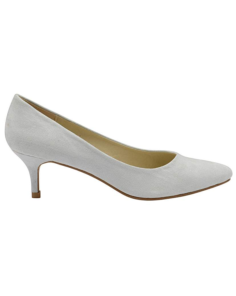 Dolcis Maggie heeled pumps.