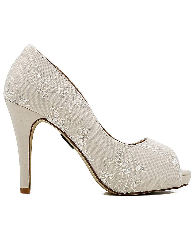 Vintage Style Wedding Shoes, Boots, Flats, Heels Perfect Vintage Inspired Lace Shoe £118.00 AT vintagedancer.com