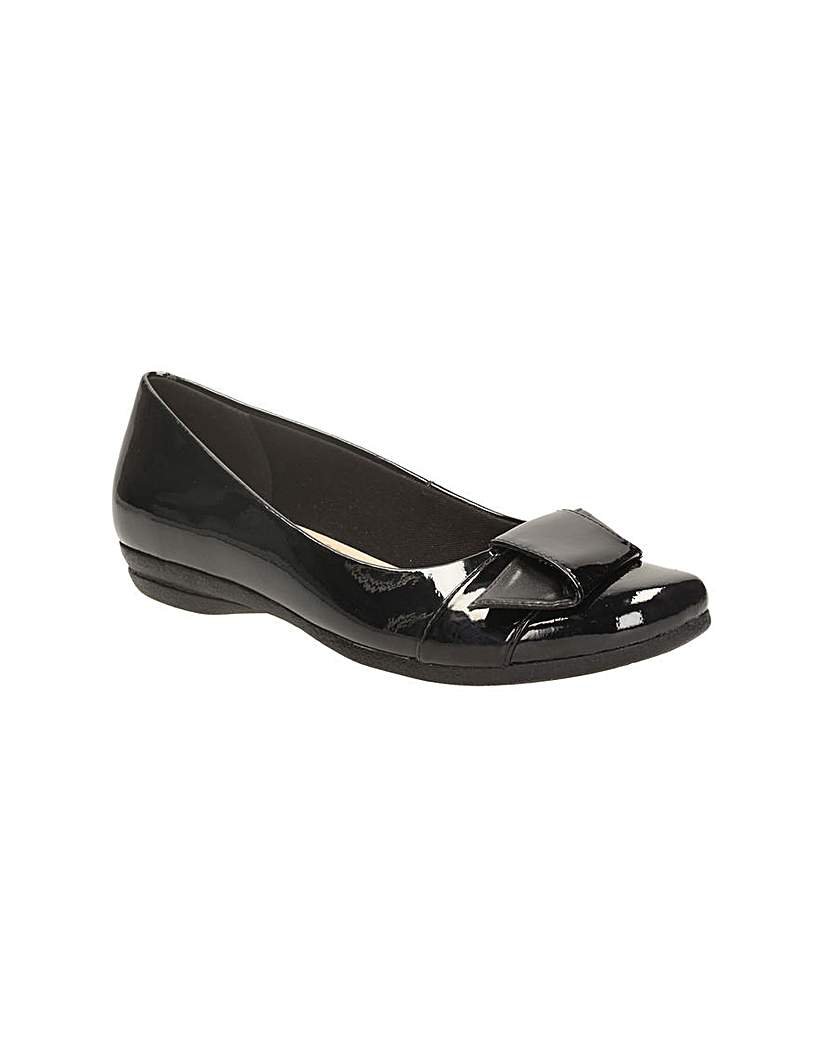 Clarks Womens Discovery Dime Wide Fit