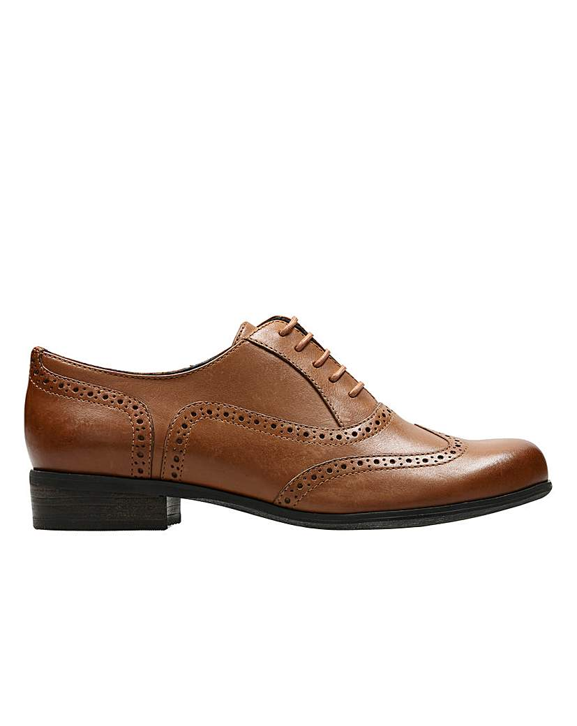 Clarks Womens Hamble Oak Narrow Fit £63.00 AT vintagedancer.com