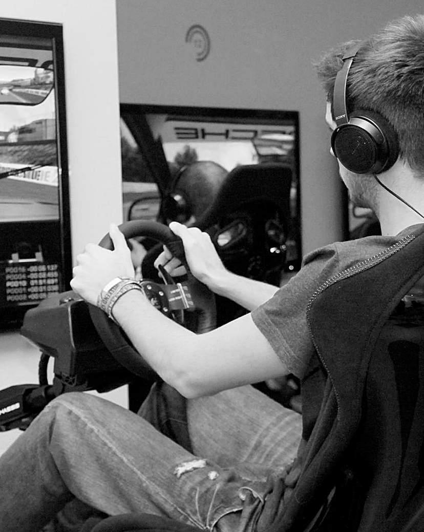 F1 Grand Prix Simulator Race Experience