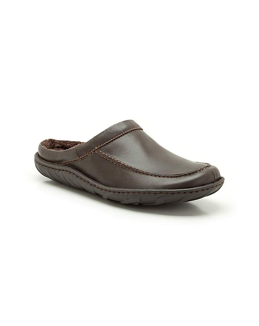 Clarks Kite Vasa Slippers.