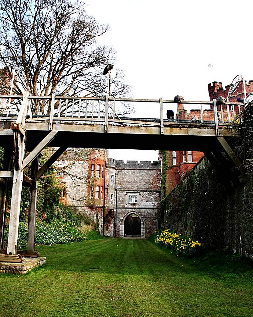 One Night Escape for Two, Ruthin Castle