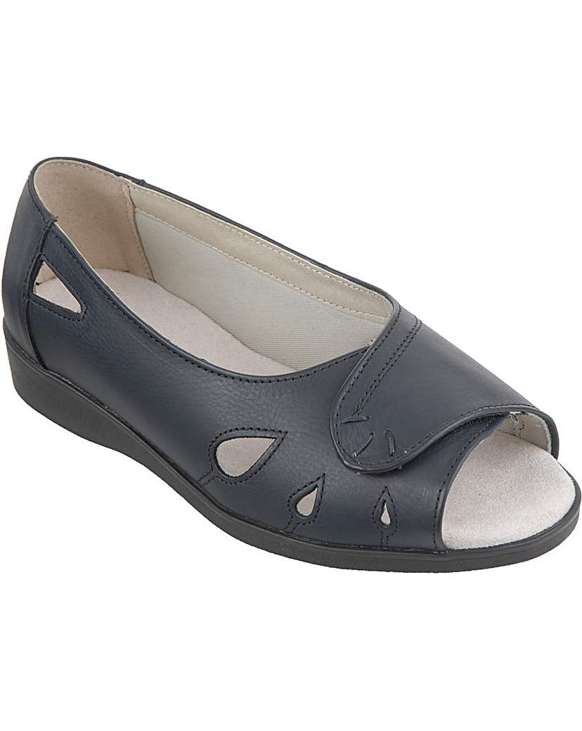 Keira Sandals 5E+ Width.