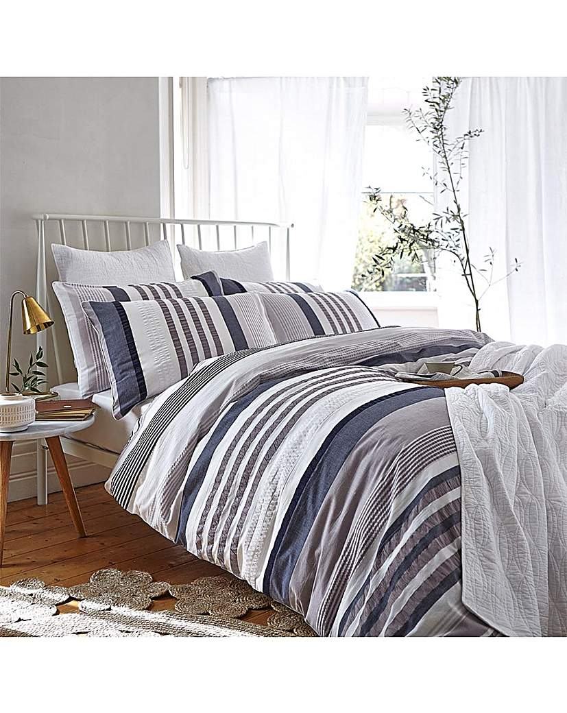 Image of BCS Seersucker Cotton Stripe Duvet Set