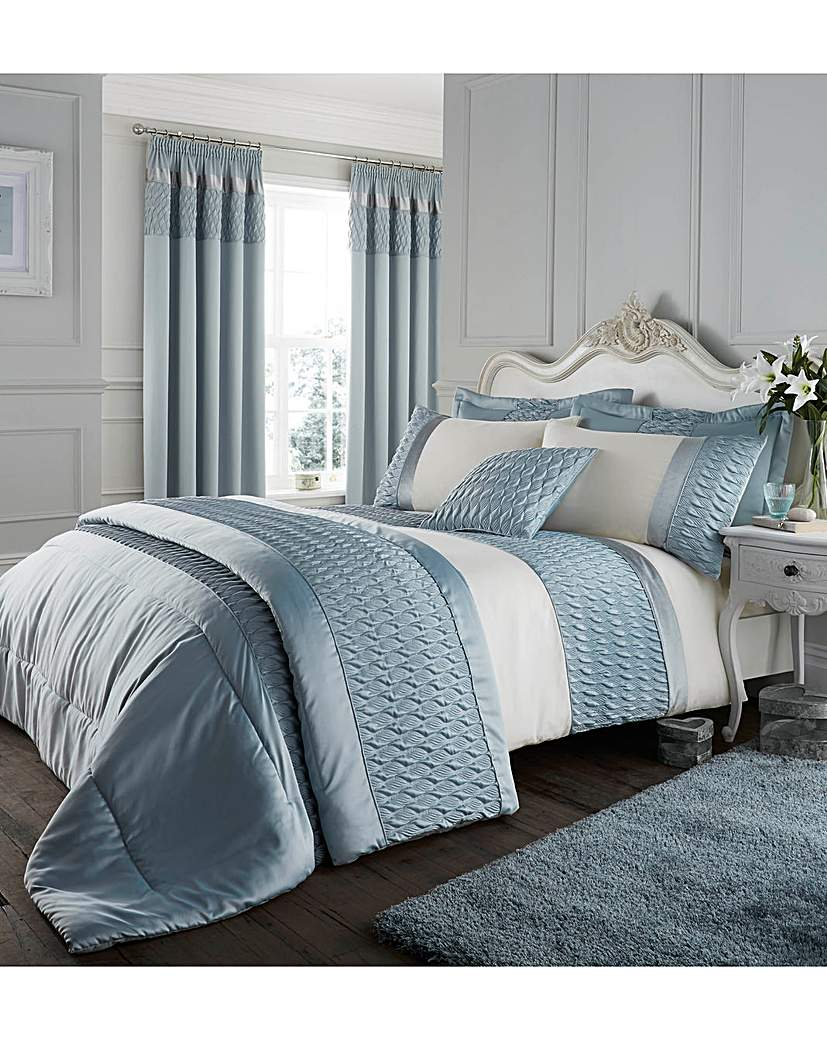 Quilted Luxury Satin Bedspread.