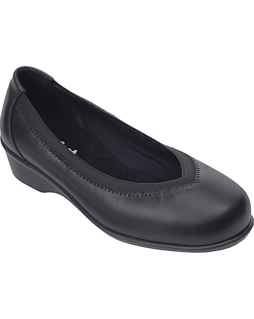 Image of Maggie Shoes 5E+ Width