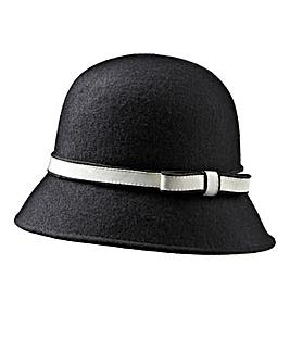 Contrast Hat