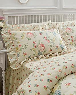 Amelia Housewife Pillowcases