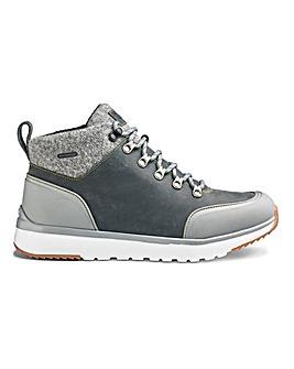 UGG Olivert Boots
