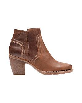 Clarks Carleta Paris Boots