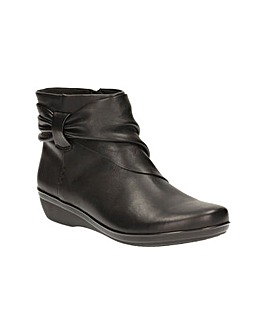 Clarks Everlay Mandy Boots
