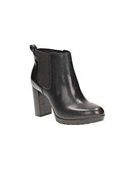 Clarks Elipsa Dee Boots