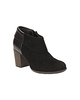 Clarks Enfield Canal Boots