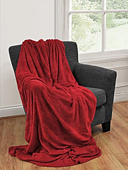 Cascade home snugglie fleece throw